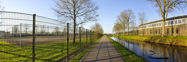 тюрьма нидерланды.jpg